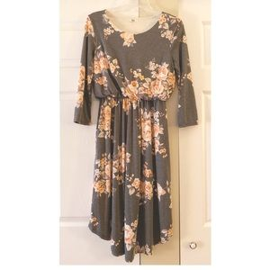 Egy Gray Floral Dress with Pockets